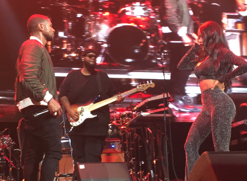 Usher & Teyana Taylor / Hot4TheHolidays 2016 / Photo Credit: Maybs Mini / THZ Photo Library